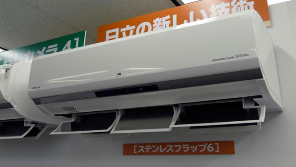 Кондиционеры Hitachi Makoun X на стенде в Японии